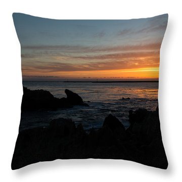 Rocky Sunset At Corona Del Mar Throw Pillow by John Daly