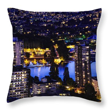 Romantic Kits Beach - Mdxxxviii Throw Pillow