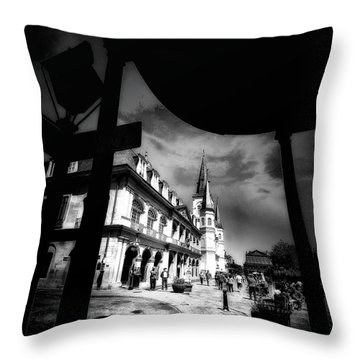 Round Corner Throw Pillow