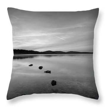 Round Valley At Dawn Bw Throw Pillow