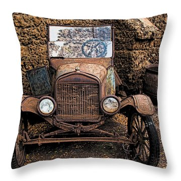 Rusty Ol' Ford II Throw Pillow