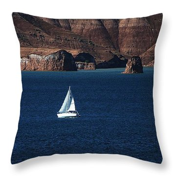 Sailing At Roosevelt Lake On The Blue Water Throw Pillow by Tom Janca