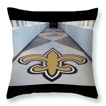 Saints Are Coming - Benson Towers - New Orleans La Throw Pillow