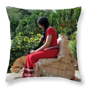 Samoa's Beauty Throw Pillow