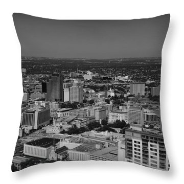San Antonio - Bw Throw Pillow