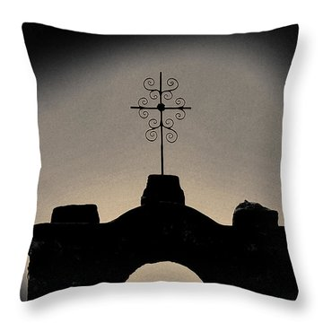 San Francisco De La Espada Mission Throw Pillow