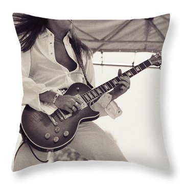 Scott Gorham Of Thin Lizzy Black Rose Tour At Day On The Green 4th Of July 1979  Throw Pillow