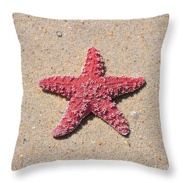 Sea Star - Red Throw Pillow by Al Powell Photography USA