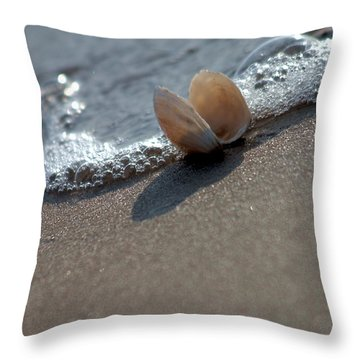 Seashell On The Coast With Wave Throw Pillow