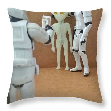 Selfie - 02 Throw Pillow