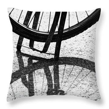 Semi-circles Throw Pillow
