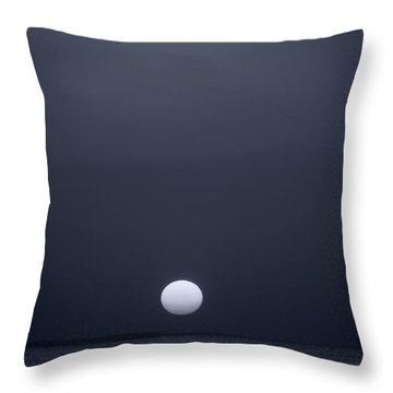Setting Sun On Lake Sam Rayburn Throw Pillow