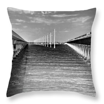seven mile bridge BW Throw Pillow