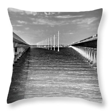 seven mile bridge BW Throw Pillow by Rudy Umans