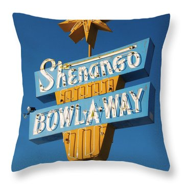 Shenango Bowl-a-way Throw Pillow