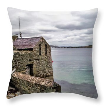 Shetland Lodberry Throw Pillow