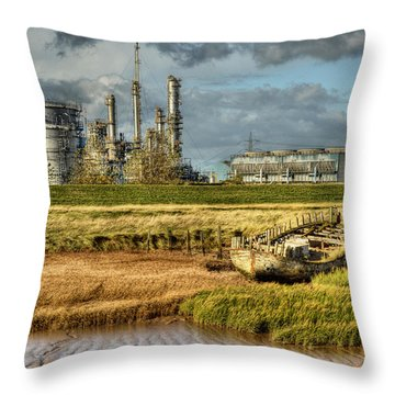 Shipwreck At Saltend Throw Pillow