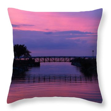 Shoreline Park At Dusk Throw Pillow