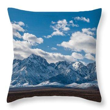 Sierra Nevadas 2.3188 Throw Pillow