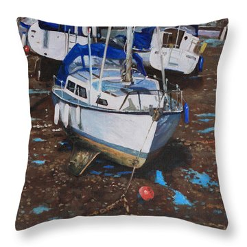 Single Boat On Eling Mudflats Throw Pillow