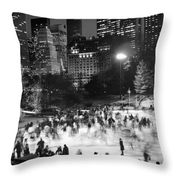 New York City - Skating Rink - Monochrome Throw Pillow