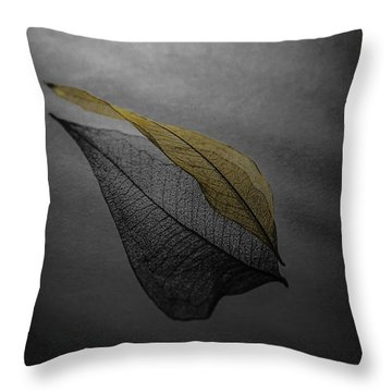 Skeleton Leaf 4716 Throw Pillow