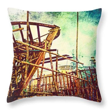 Skeletons In The Yard - Boatbuilding In Ecuador Throw Pillow