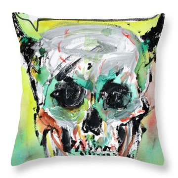 Skull Quoting Oscar Wilde.8 Throw Pillow by Fabrizio Cassetta