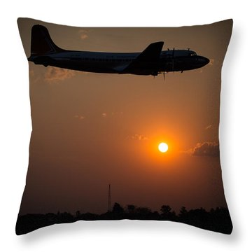 Throw Pillow featuring the photograph Skymaster Sunset by Paul Job
