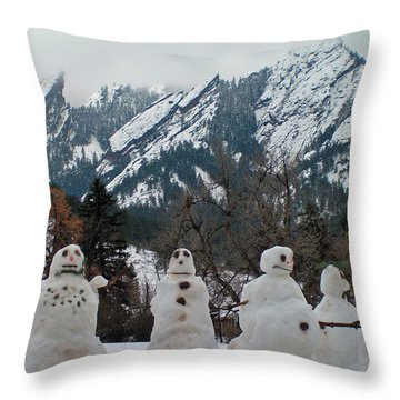 Flatiron Snowmen. Throw Pillow