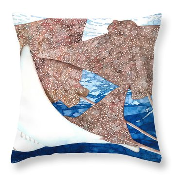 Soaring Eagle Rays Throw Pillow