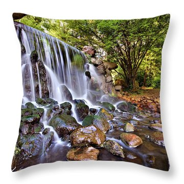 Sonsbeek Waterfall / Arnhem Throw Pillow