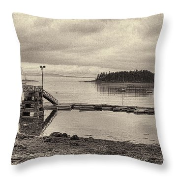 Sorrento Harbor Boats 4 Throw Pillow