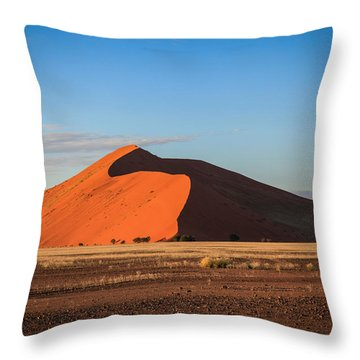 Sossusvlei Dune 45 Throw Pillow