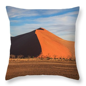Sossusvlei Park Sand Dune Throw Pillow