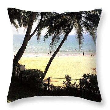 South Beach - Miami Throw Pillow
