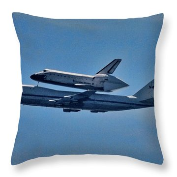 Space Shuttle Columbia Flies On 92112 Throw Pillow