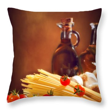 Spaghetti Pasta With Tomatoes And Garlic Throw Pillow by Amanda Elwell