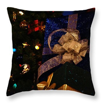 Throw Pillow featuring the photograph Sparkle Ribbon And Bows by Linda Shafer