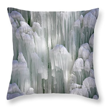 Spectacular Ice Fountain In Letchworth State Park - 5 Throw Pillow