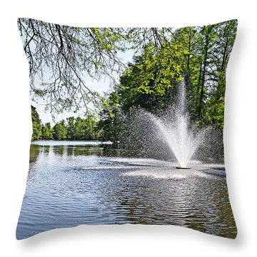 Throw Pillow featuring the photograph Splish Splash by Linda Brown