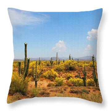 Spring Time On The Rolls - Arizona. Throw Pillow