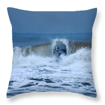 Throw Pillow featuring the photograph Dancing Of The Waves by Erhan OZBIYIK