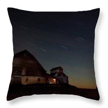 Star Streek Barn Throw Pillow