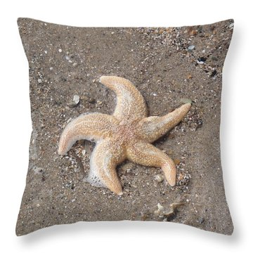 Throw Pillow featuring the photograph Starfish by Tiffany Erdman