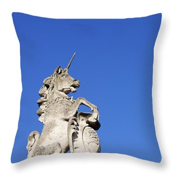 Statue Of A Unicorn On The Walls Of Buckingham Palace In London England Throw Pillow
