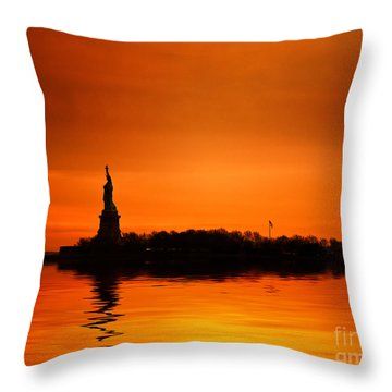New Your City Photographs Throw Pillows