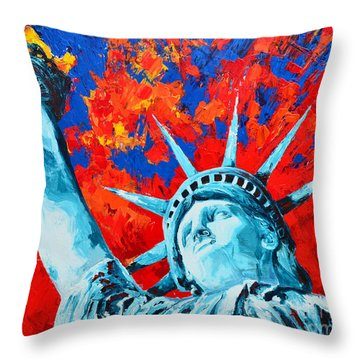 Statue Of Liberty - Lady Liberty Throw Pillow