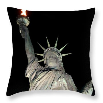 Statue Of Liberty Replica In Alabama Throw Pillow by Kathy  White