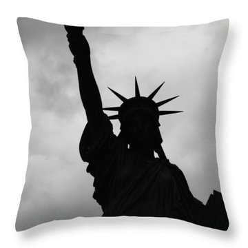 Statue Of Liberty Silhouette Throw Pillow